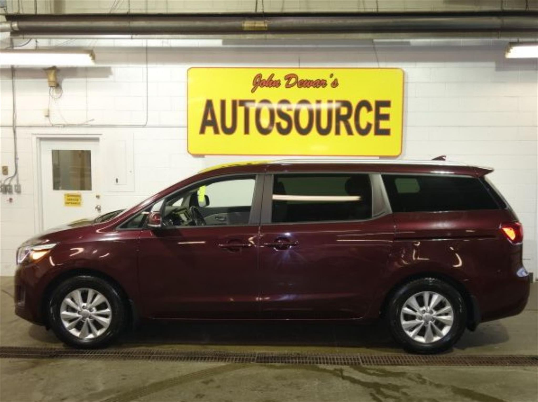 used 2017 kia sedona lx for sale in peterborough on by. Black Bedroom Furniture Sets. Home Design Ideas