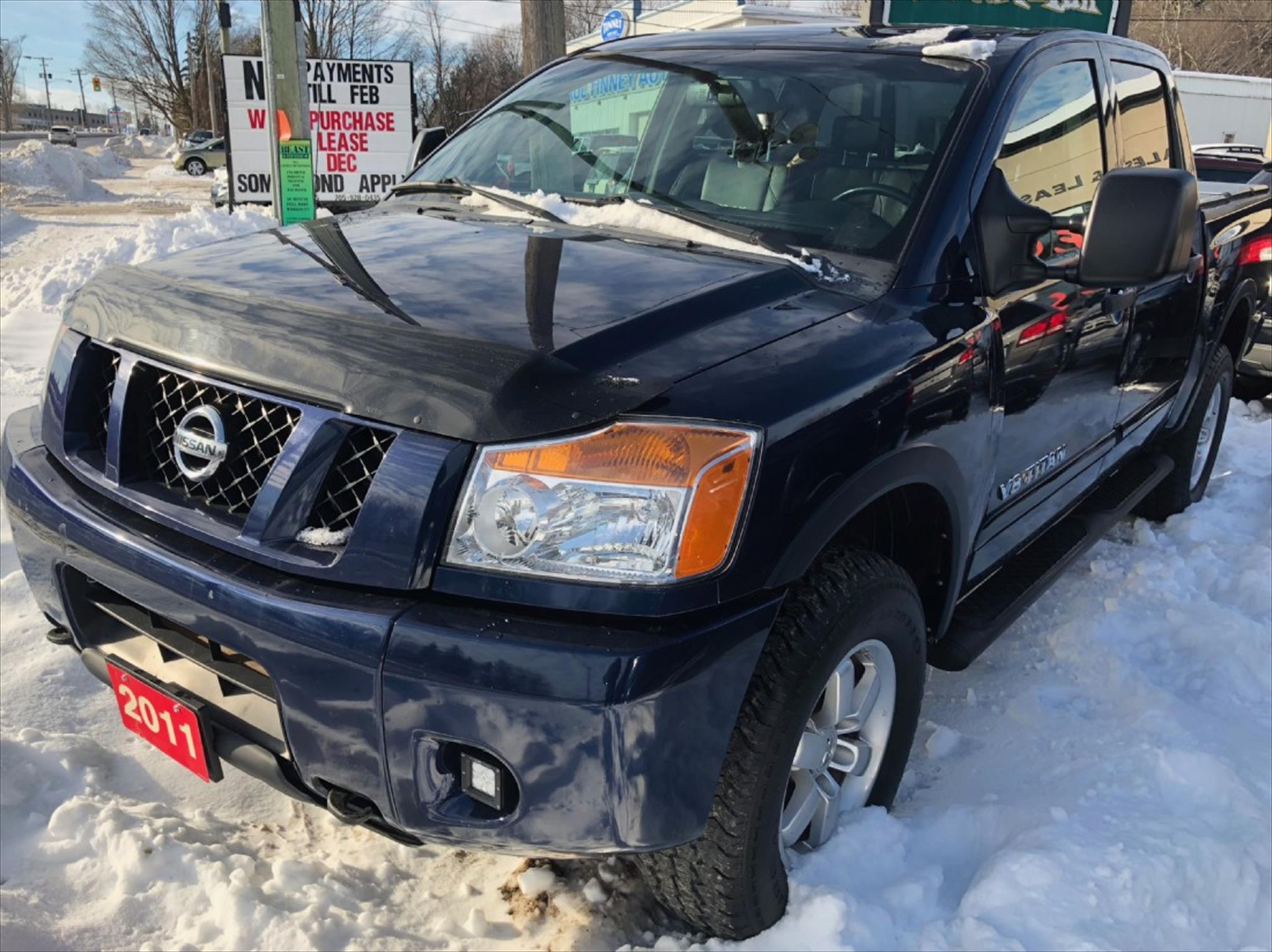 used 2011 nissan titan pro 4x for sale in peterborough on by clonsilla auto sales leasing. Black Bedroom Furniture Sets. Home Design Ideas
