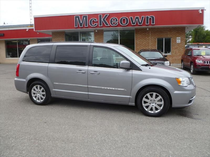 used 2013 chrysler town country touring for sale in springbrook on by mckeown motor sales. Black Bedroom Furniture Sets. Home Design Ideas